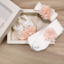 Подарочный набор из 3-х предметов белого цвета для новорожденной девочки